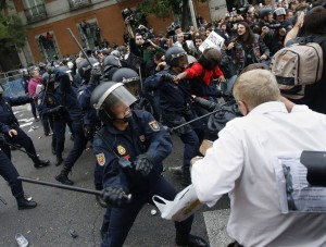 http://business.financialpost.com/2012/09/25/spain-prepares-more-austerity-protesters-clash-with-police/