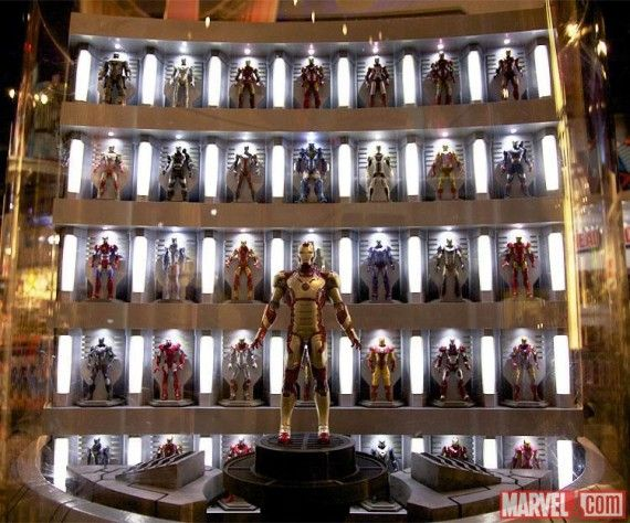 Iron-Man-3-Hall-of-Armor-Toys-R-Us-570x474