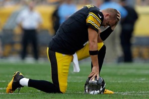 Big Ben frustrated over Steeler recent struggles. Media by www.gazettenet.com