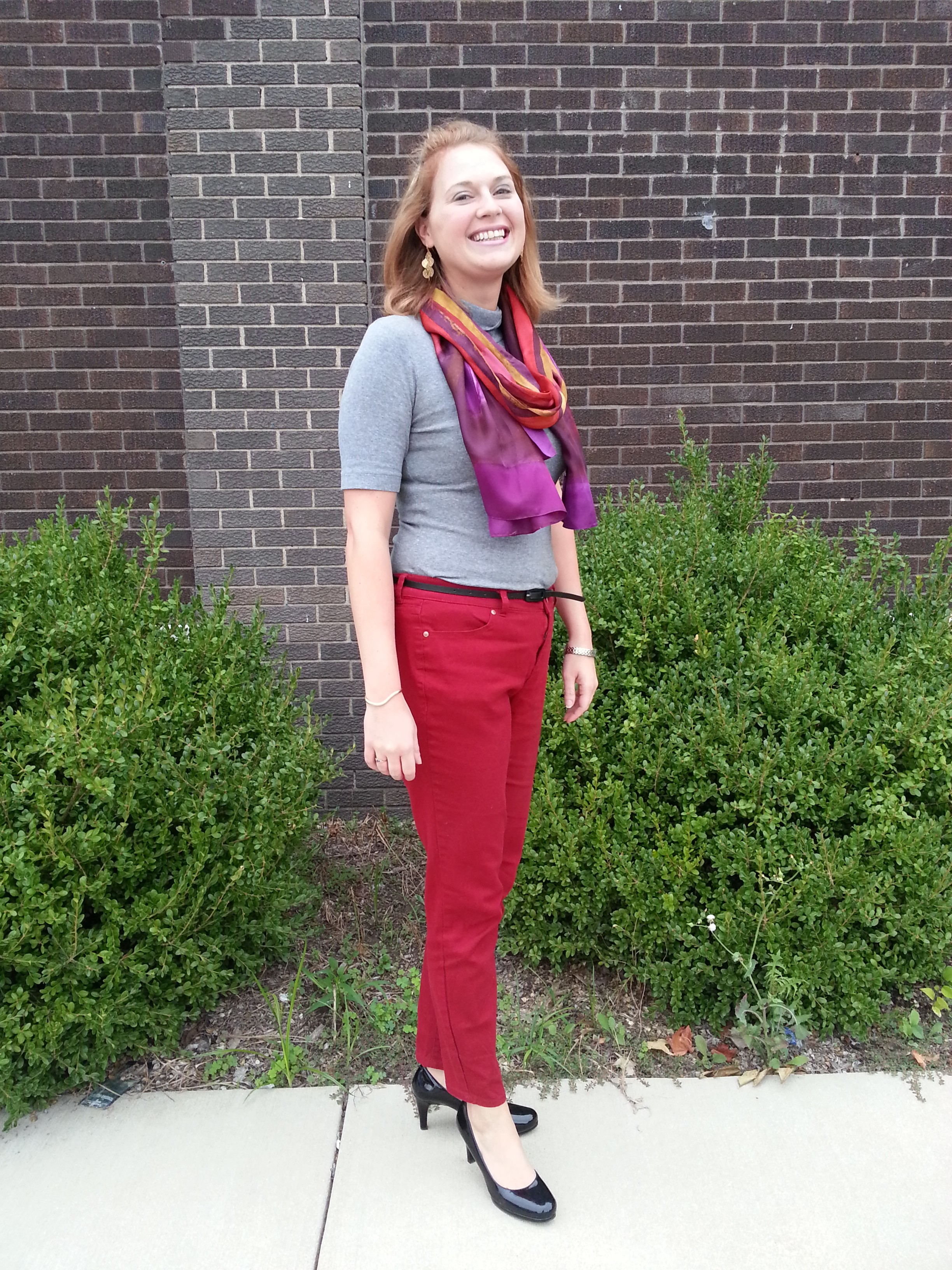 Jessa looks wonderful in her fall inspired outfit!