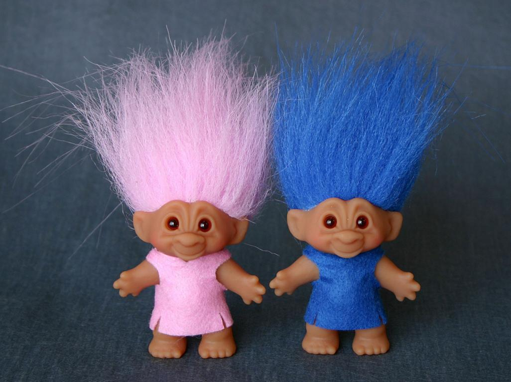 Source:http://www.amazon.com/Troll-Dolls-Series-Random-Mini-Figure/dp/B00B4JXGDY/?tag=lege1-20