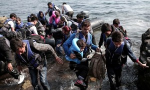Syrian-refugees-land-on-t-009