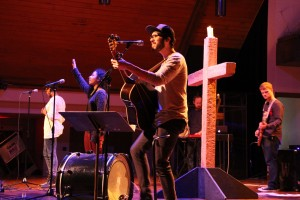 Students lead worship for vespers