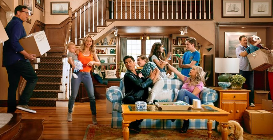 Scene from Fuller House's first episode