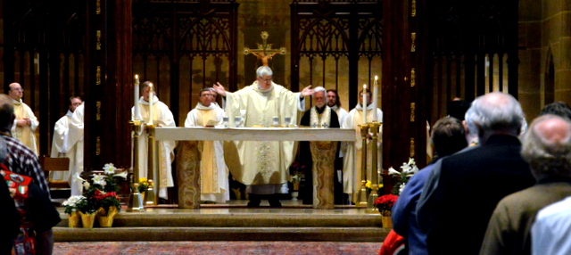 A Roman Catholic Communion service. Image by: cinfo.online