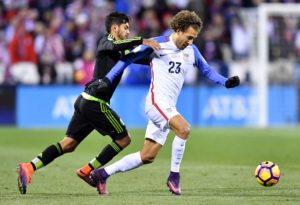 Mexico fouls Fabian Johnson