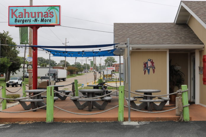 Kahuna's Burgers and More